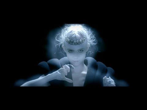 Grimes – Nightmusic Ft. Majical Cloudz