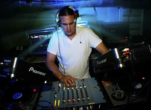 DJ_Ollie-PIC1