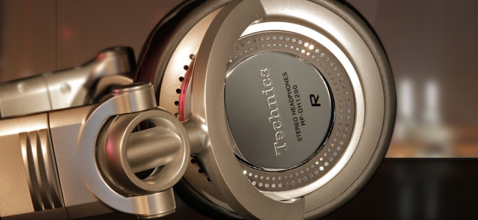 Review: Panasonic Technics DH1250 Headphones