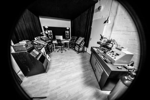 1-MMM studio 01-001